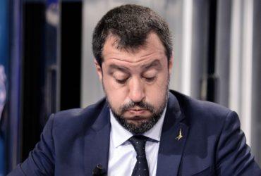Salvini, Anonymous ha pubblicato online 70mila email della Lega e dei suoi iscritti: scaricabili anche documenti d'identità
